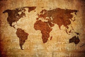 Wereldkaart gelaserd op kurk