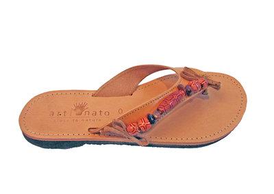 Ibiza slippers met houten kralen